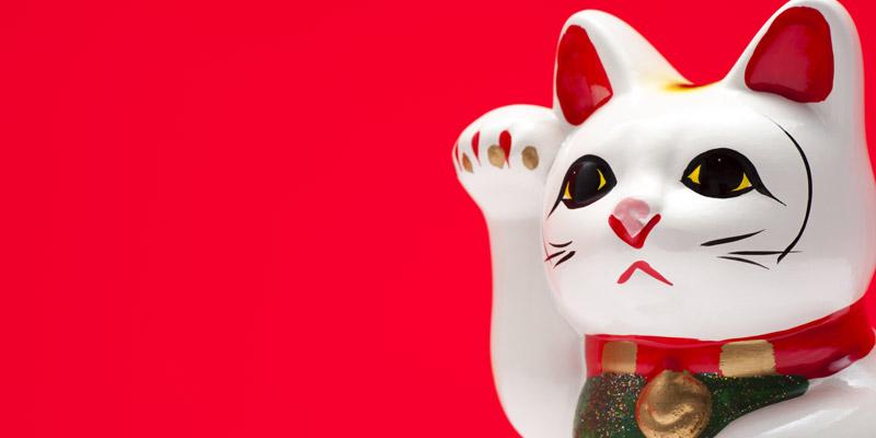 Chinese-cat-statue