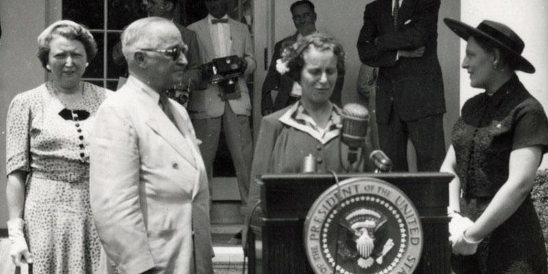Caroline-Haslett-and-President-Truman-at-the-White-House-1952