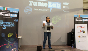 Anj-Lusuan taking part in FameLab in Turin in 2016