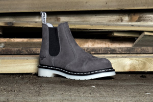 Dr-Martens-Womens-Industrial-Arbor