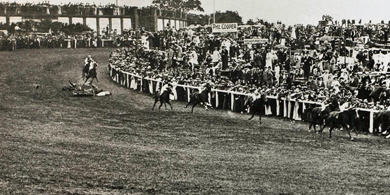 Emily_Wilding_Davison_under_the_king's_horse,_1913