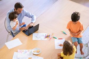 Dad-homeschooling-kids